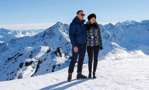 (AP: Daniel Craig (007) and  Léa Seydoux (Bond Girl)